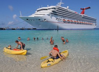 Kayaking in Grand Turk