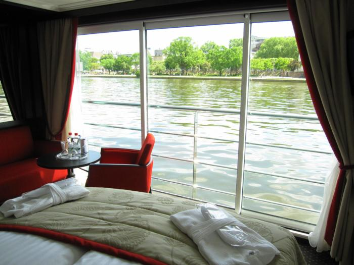 Military Discounts on all River Cruises French Balcony
